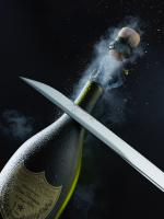 WBCD-1-SABRE-PERIGNON-stilllife product photographer creative advertising dennis pedersen liquid water splash drinks alcohol champagne sabre saborage highspeed explosion cork spray action mist droplets booze