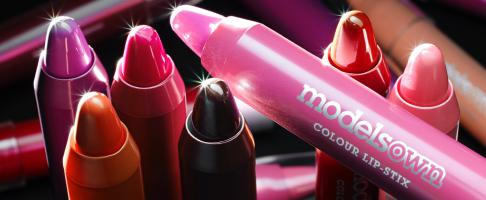 MO-11 lip stix WEB-Still Life Product Photographer Dennis Pedersen advertising editorial creative fashion style cosmetics beauty makeup lips mouth-face models own pen pencil stick lipstick