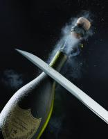 WBCD 1 SABRE PERIGNON stilllife product photographer creative advertising dennis pedersen liquid water splash drinks alcohol champagne sabre saborage highspeed explosion cork spray action mist droplets booze